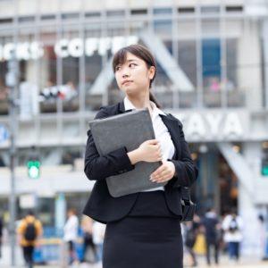 職場の同僚や先輩と恋愛関係へ発展した胸キュンのエピソード集